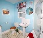 Modern bathroom in 4 bed student property in plymouth.