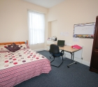 Large bright double bedroom in plymouth university student house.